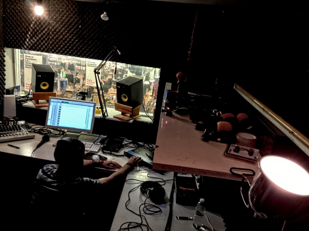 1023_Viva Radio_03